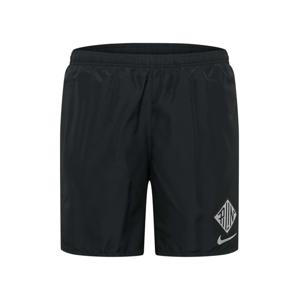 NIKE Sportovní kalhoty 'Challenger Wild Run'  černá / bílá